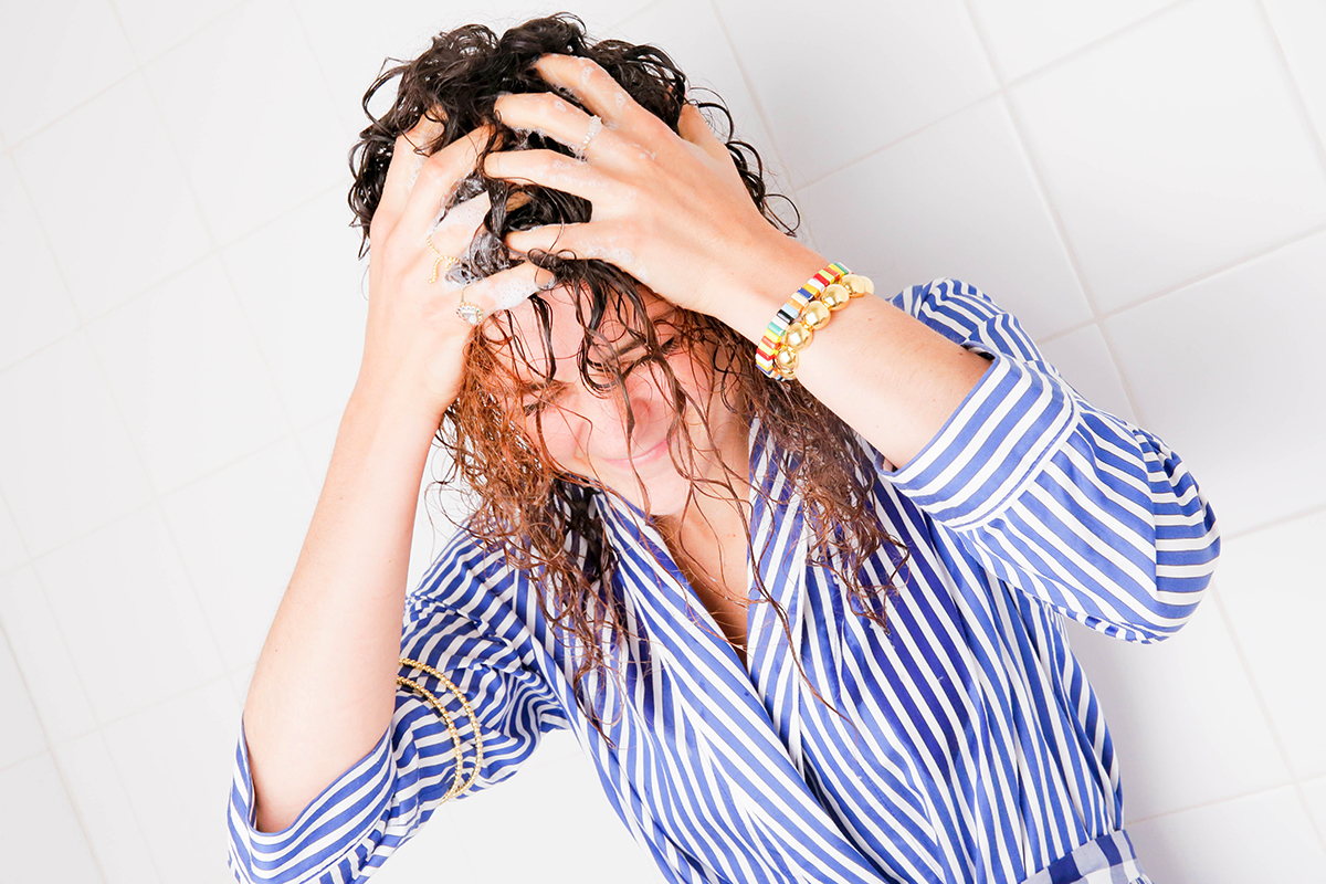Thought-Process-of-Washing-Hair-Man-Repeller-7