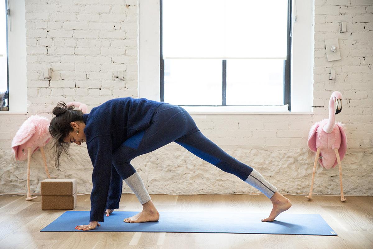 Leandra Medine Yoga Sky Ting Man Repeller-2 flip