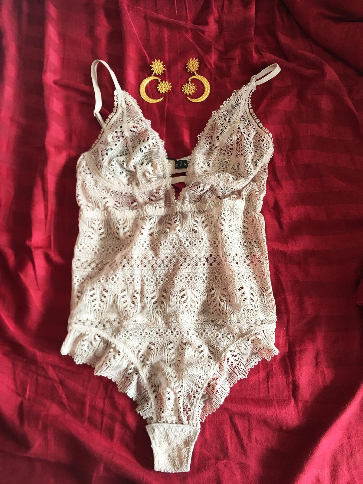 lingerie-man-repeller-3