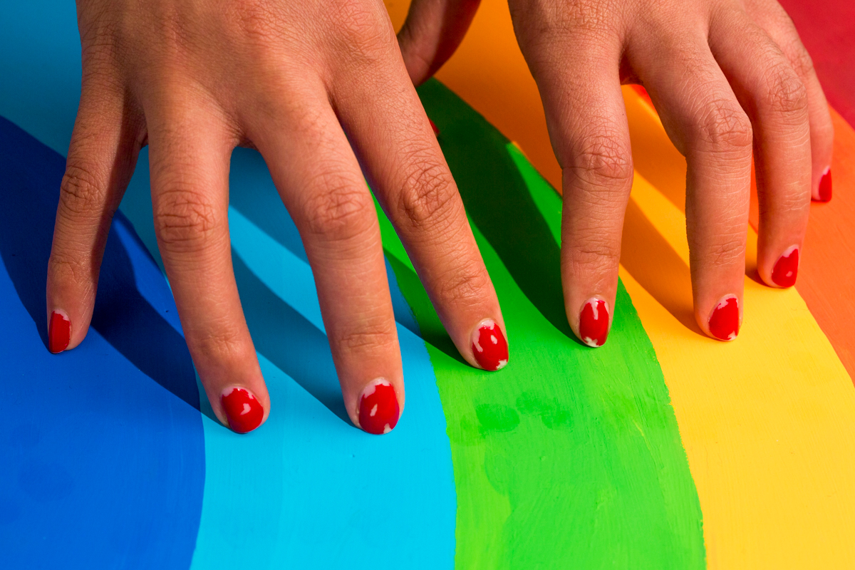 chipped nails man repeller